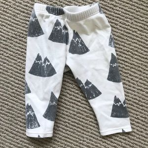 Other - Mountain baby leggings